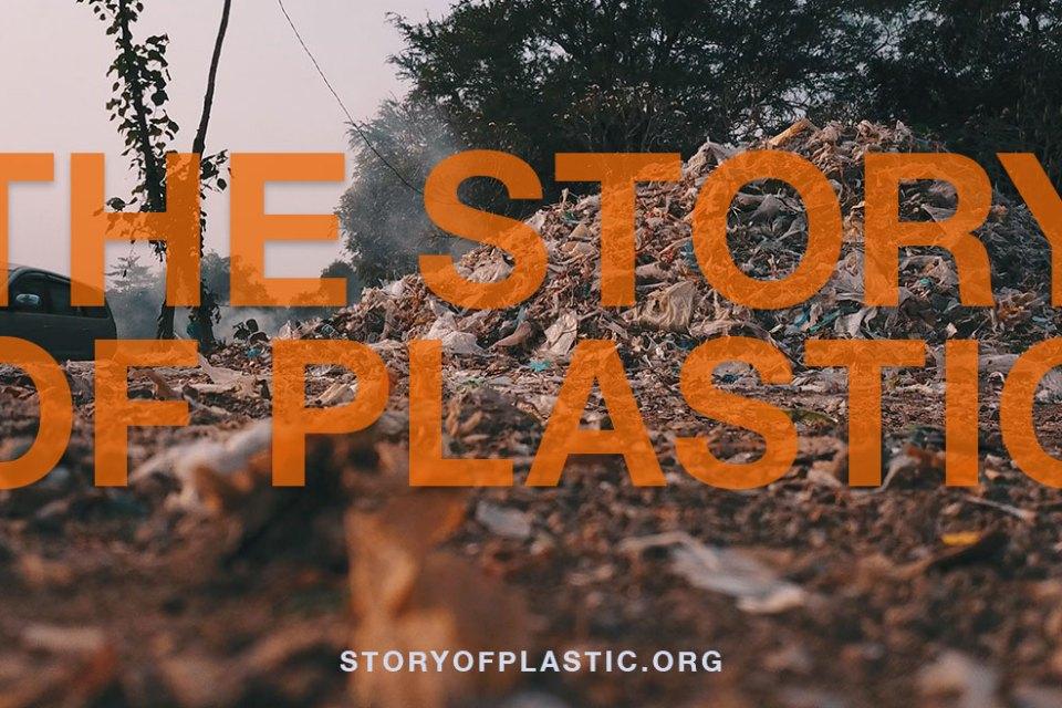 """Witamy w erze """"plastikocenu"""". Polska premiera filmu """"Opowieść o plastiku"""" w Dzień Ziemi, 22 kwietnia"""